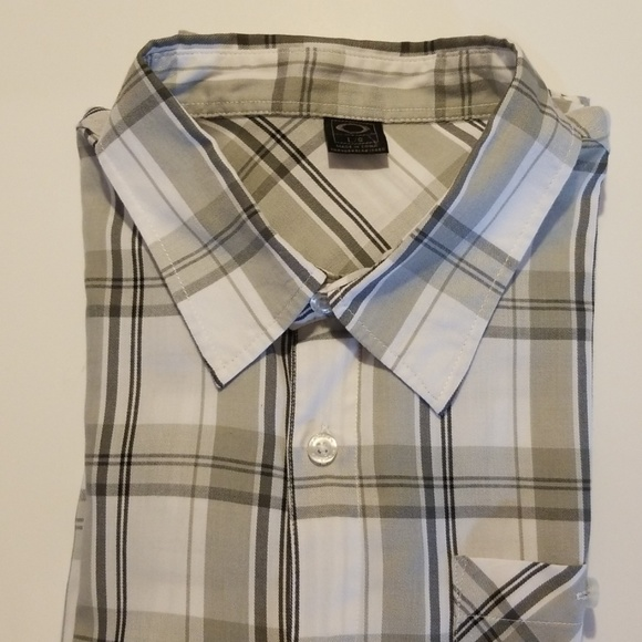 Oakley Other - Oakley Button Down Large